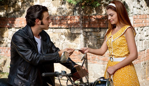 Aşk Tesadüfleri Sever 2 filmden bir sahne - İstanbul