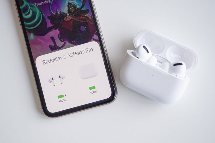 iPhone SE 2021 ve AirPods Pro 2 mi geliyor