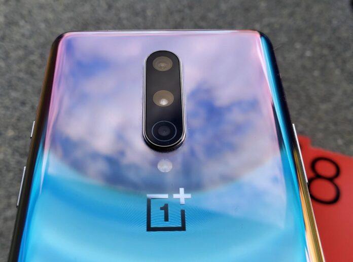 OnePlus 8 güvenlik güncellemesi Ağustos 2021
